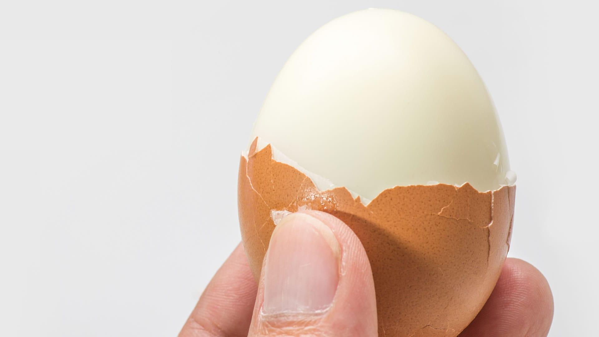 Foto Come Sgusciare le Uova Sode in 3 Secondi Utilizzando un Barattolo