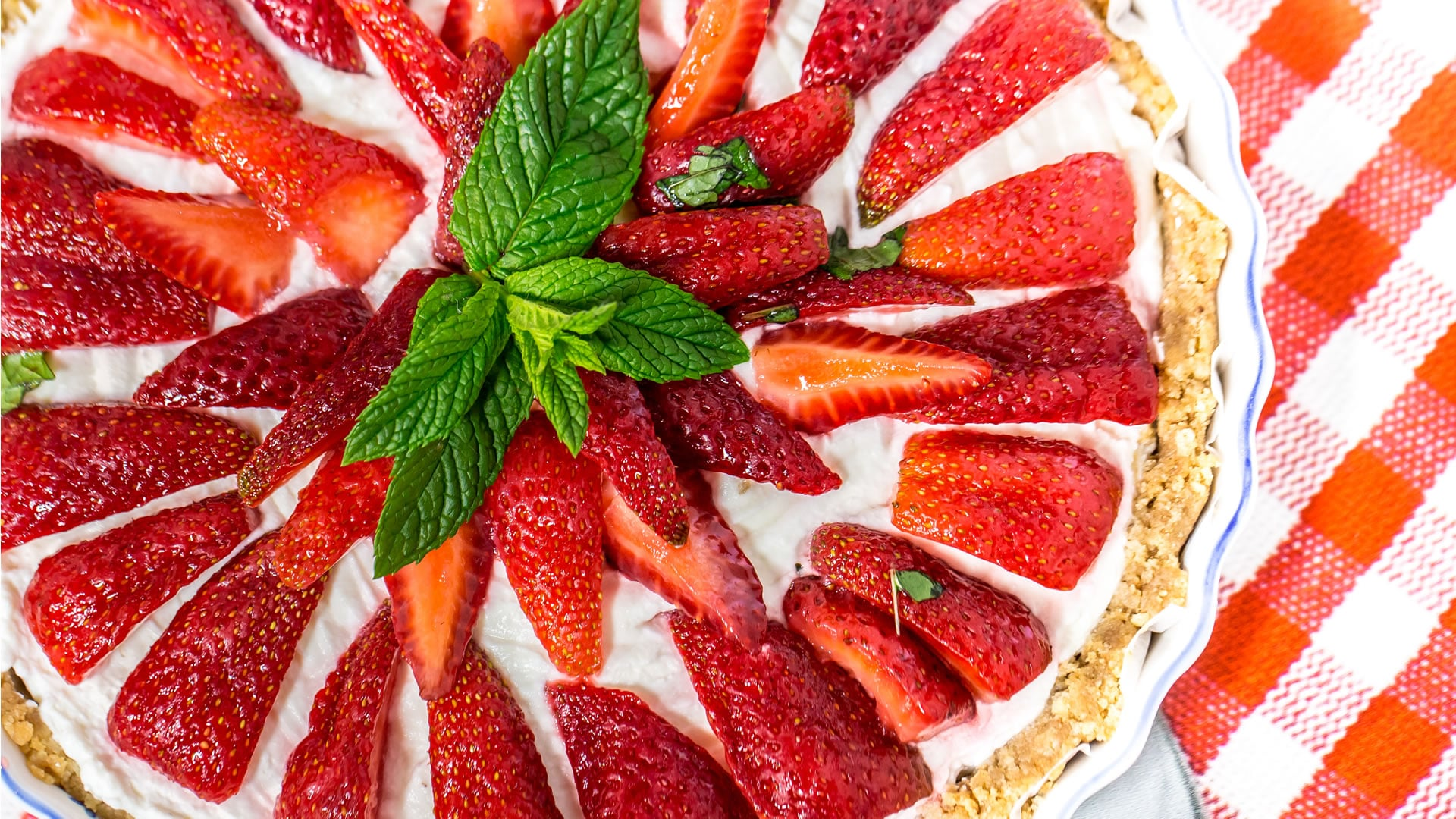 Foto Crostata Senza Cottura Panna e Fragole
