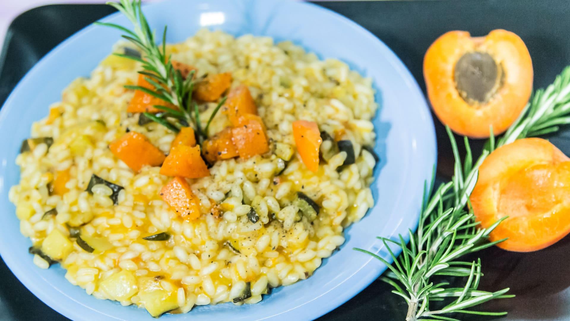 Risotto con albicocche zucchine e rosmarino for Risotto ricette