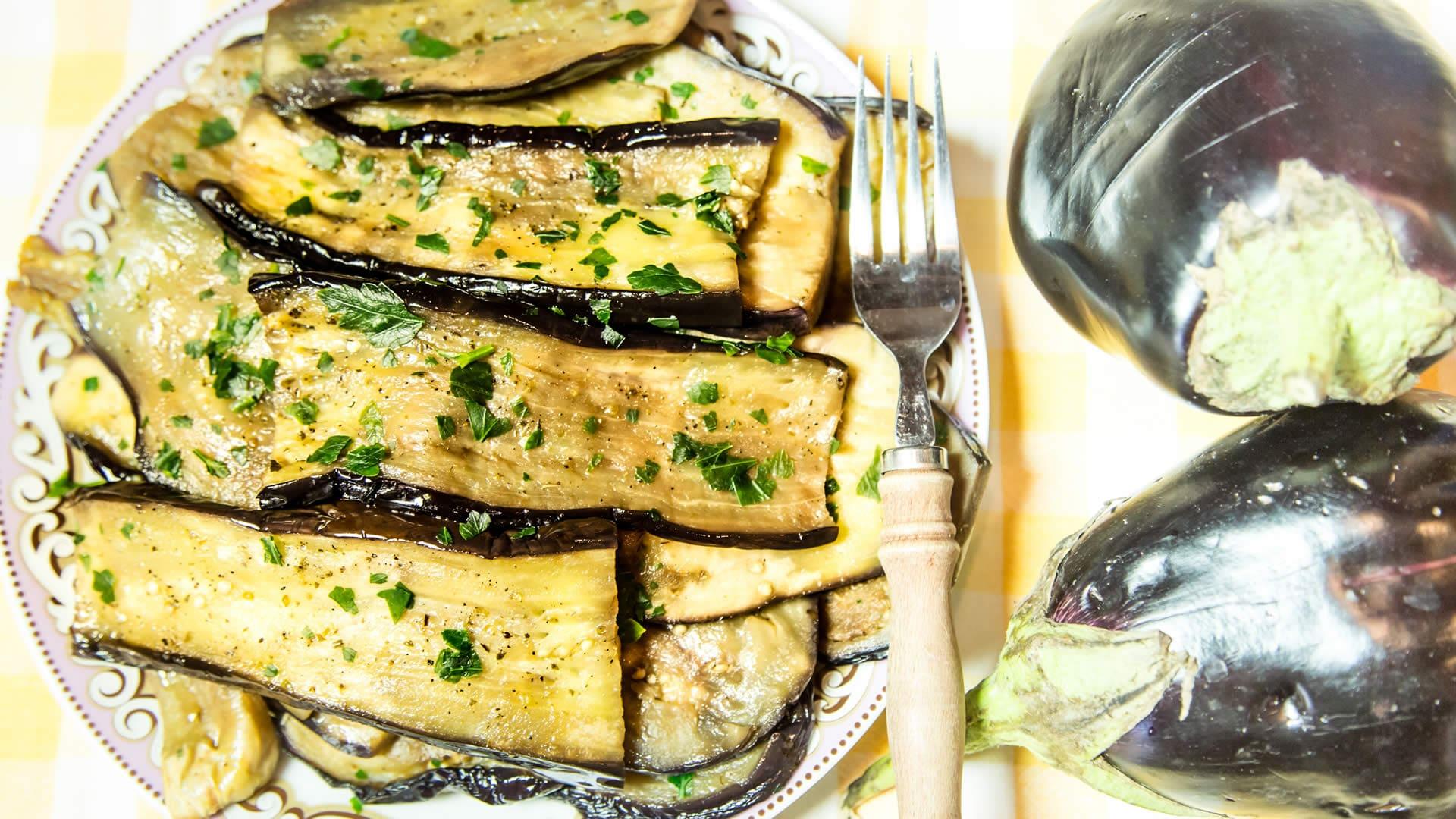 Melanzane al prezzemolo come cuocerle velocemente nel for Melanzane ricette