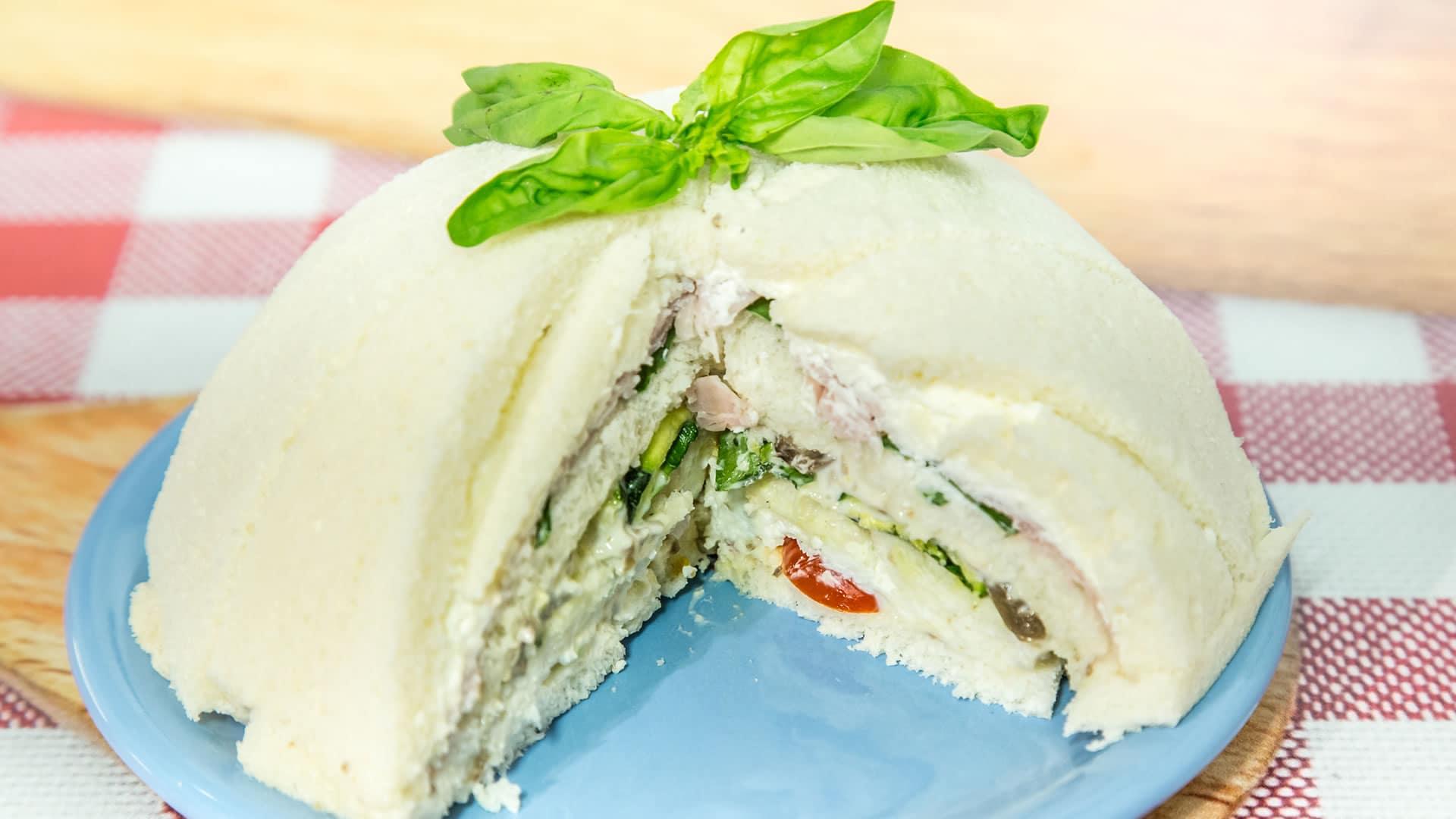 Foto Torta di Tramezzini - Charlotte di Pane