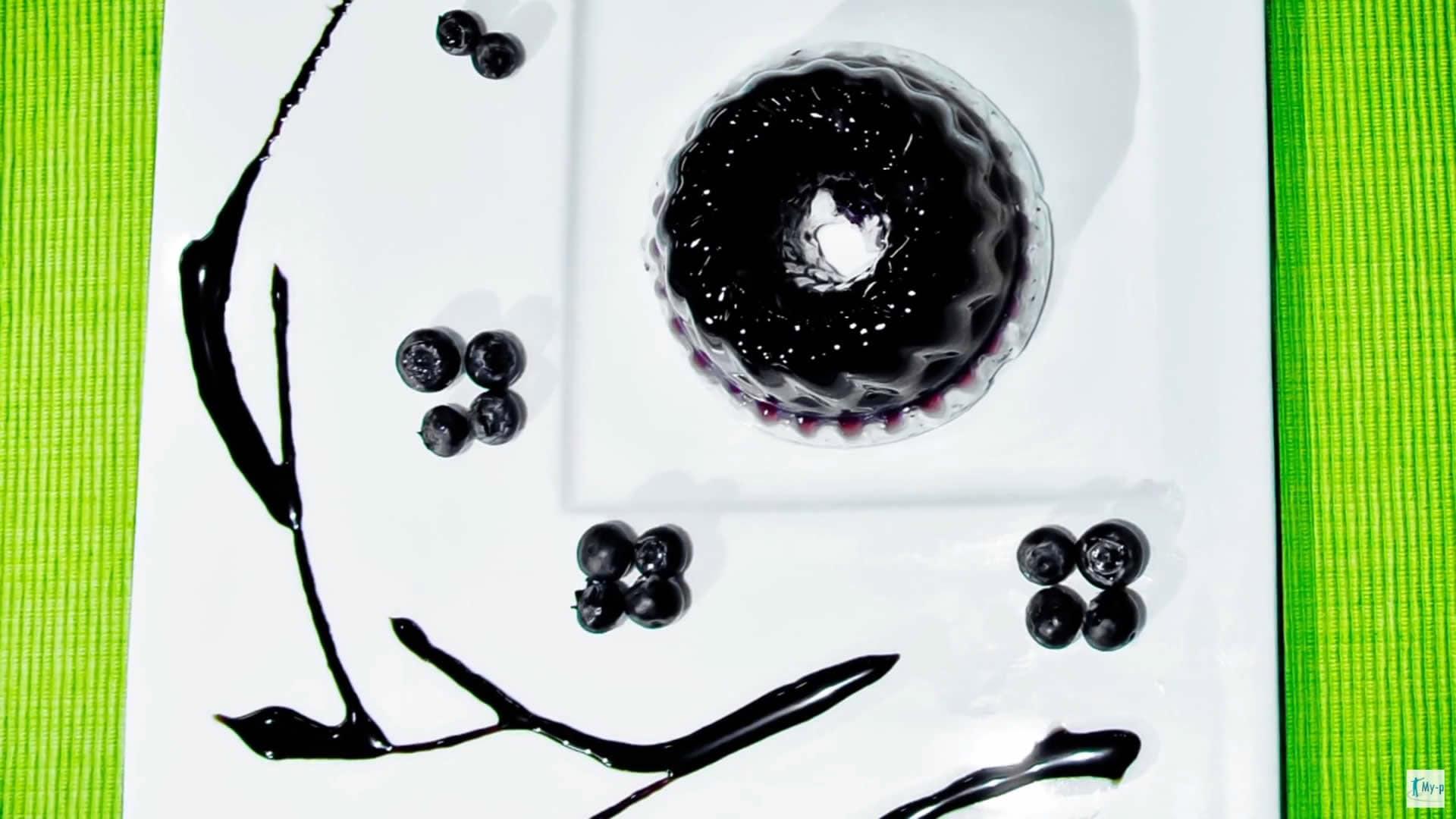 Foto Dessert anticellulite - Aspic di mirtillo nero e centella asiatica