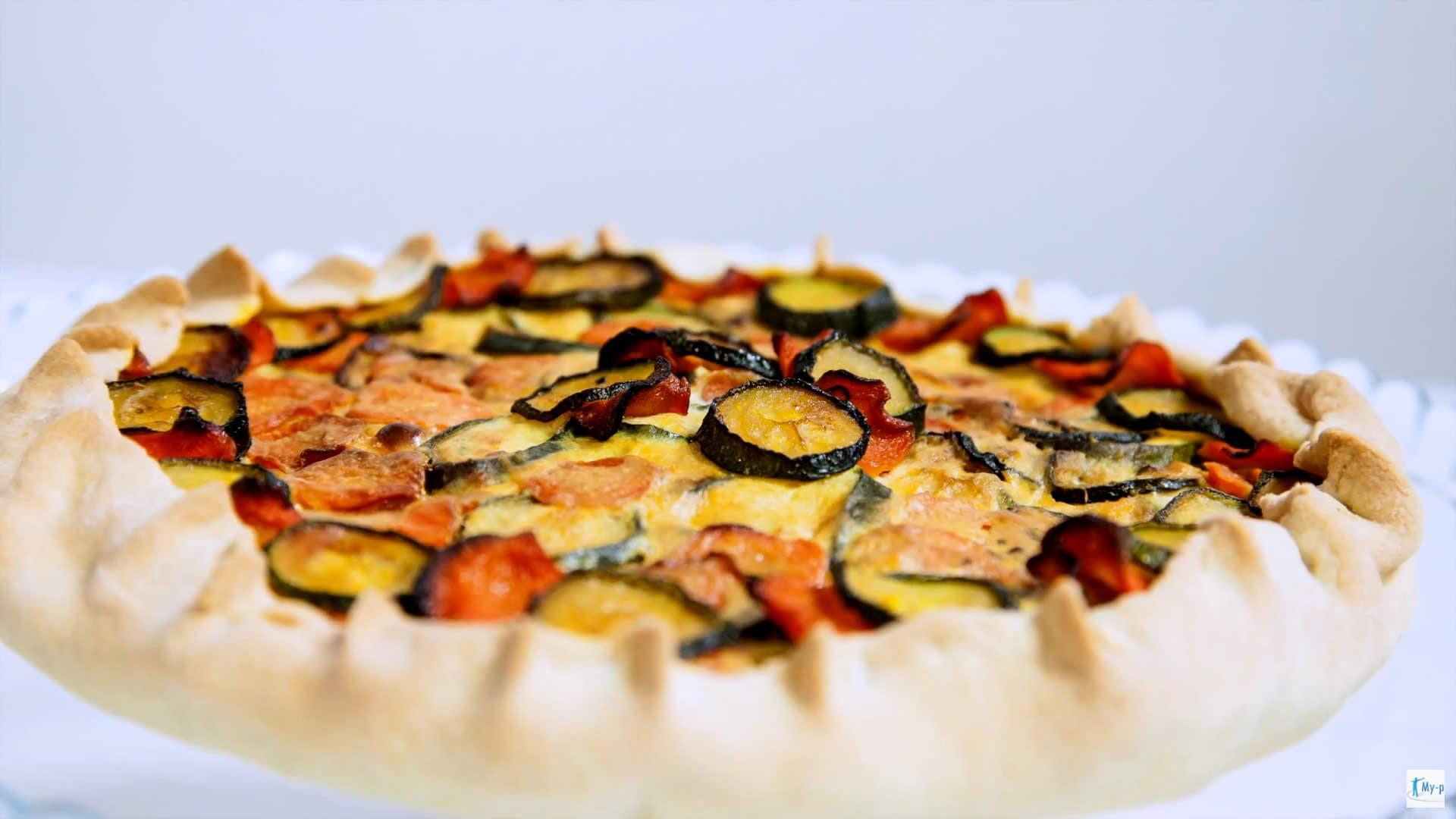 Torta salata di verdure miste e ricotta