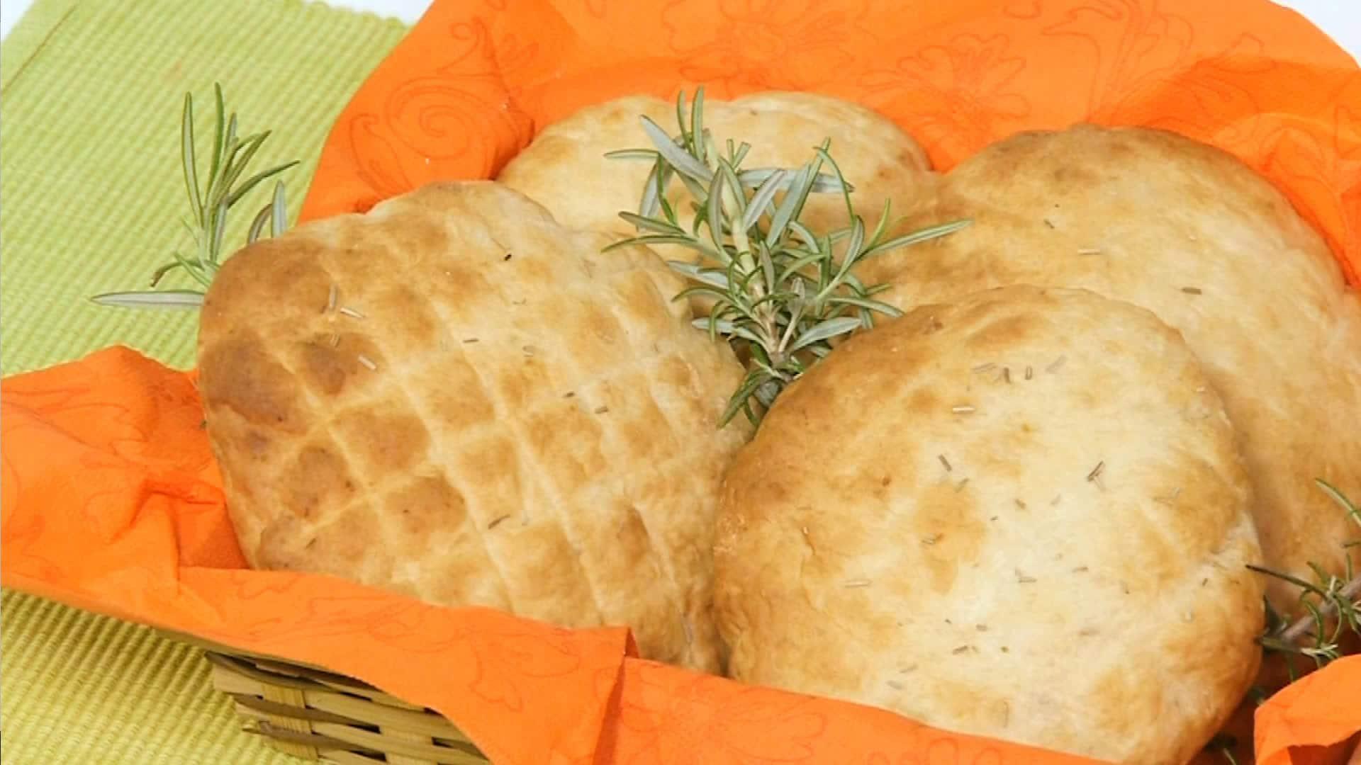 Foto Pane con patate e rosmarino