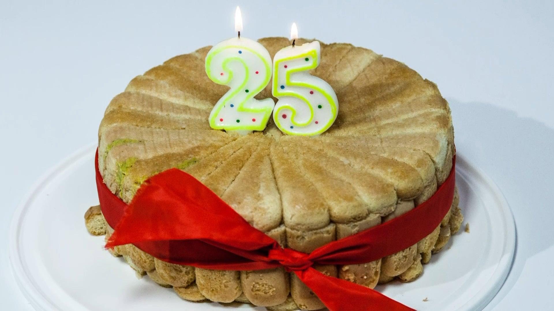 Foto Charlotte con Pistacchi e Cioccolato – Torta di Compleanno