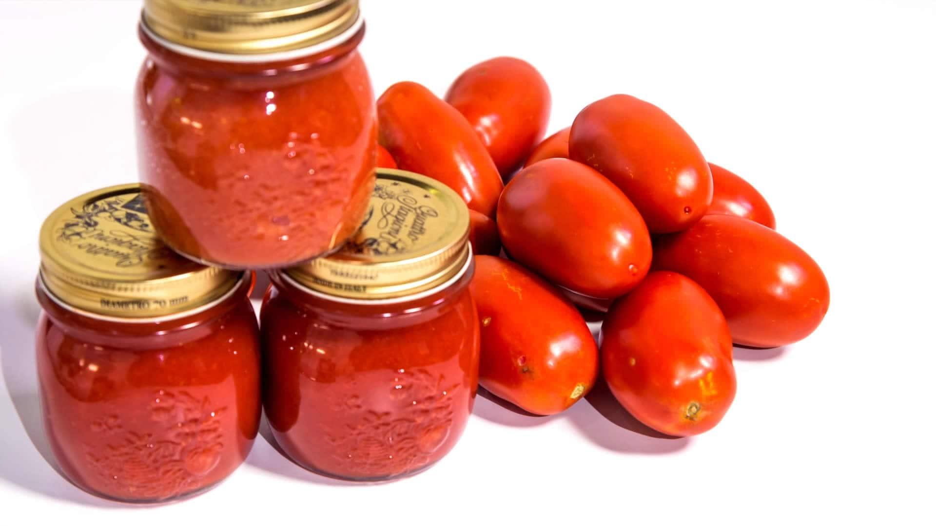 """Foto Passata di Pomodoro - Conserva di Pomodori """"a crudo"""""""