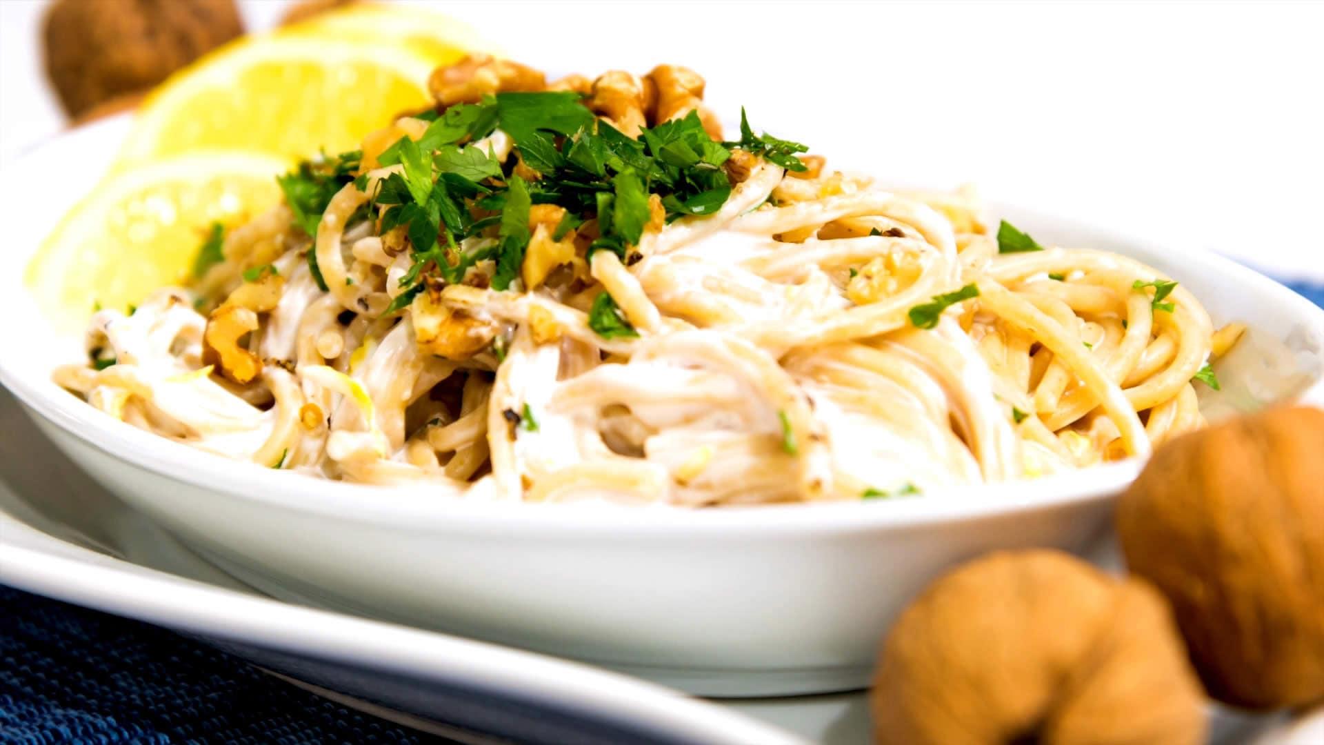 Foto Spaghetti Integrali con Panna, Limone e Noci – Pasta Vegana