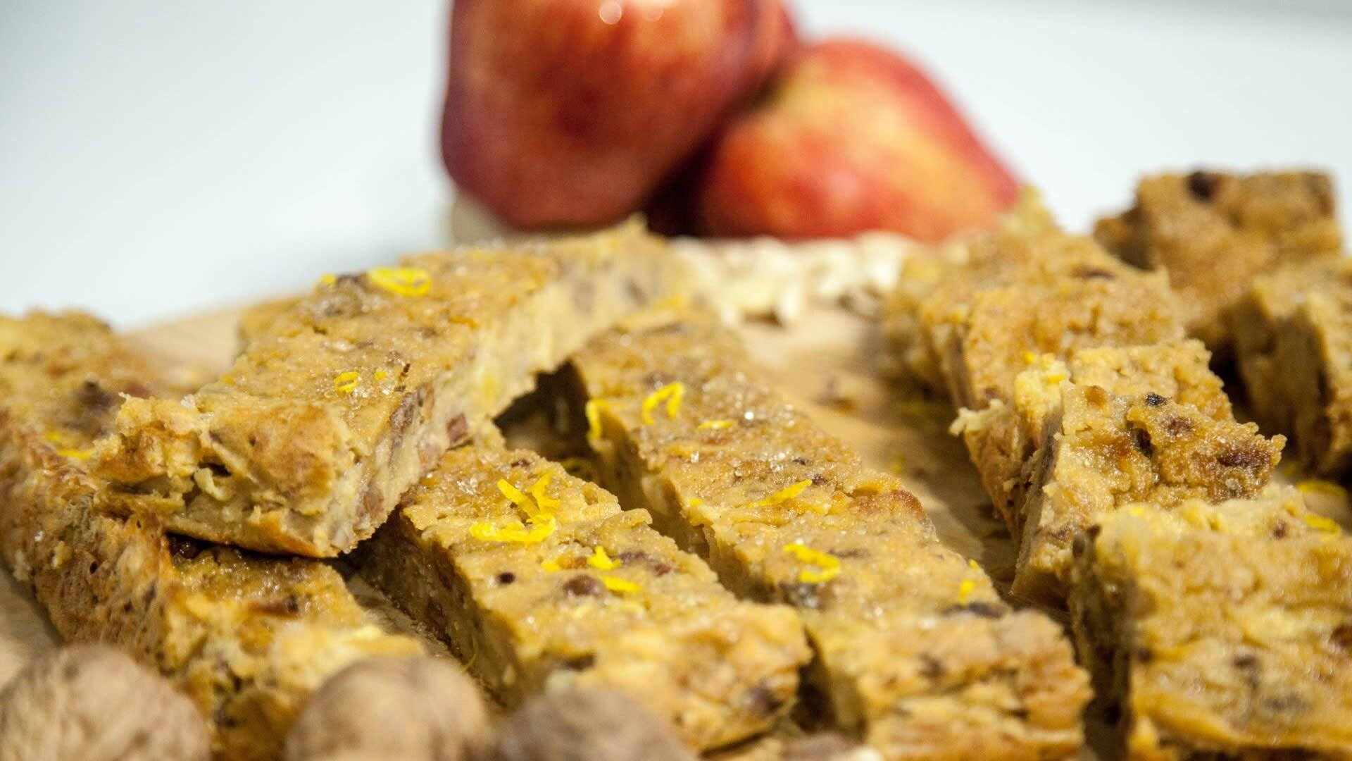 Foto Torta con farina di Mais, Mele e Frutta Secca (Tressian)