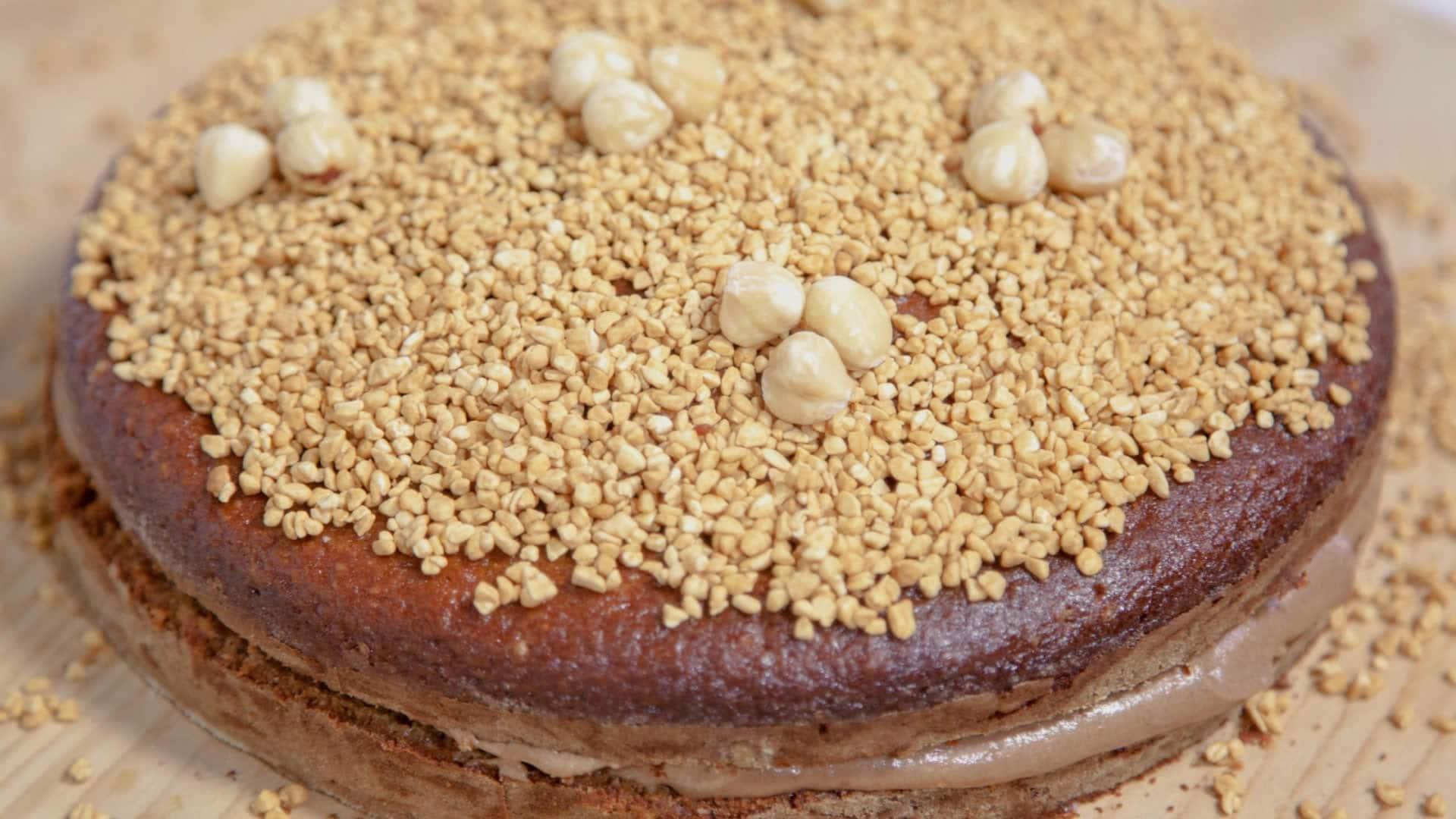 Foto Torta di Nocciole Farcita - Senza Burro e Senza Olio