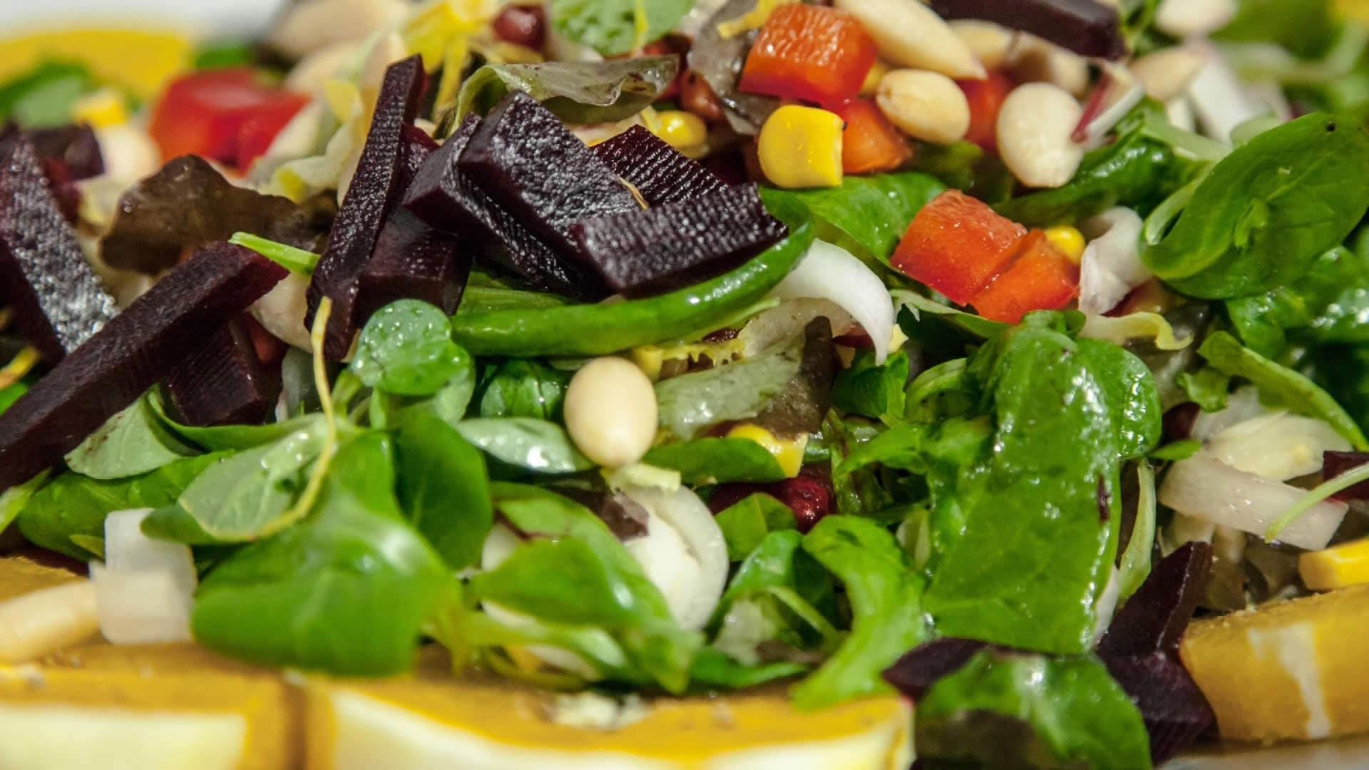 Insalata sfiziosa ricetta di natale for Ricette insalate