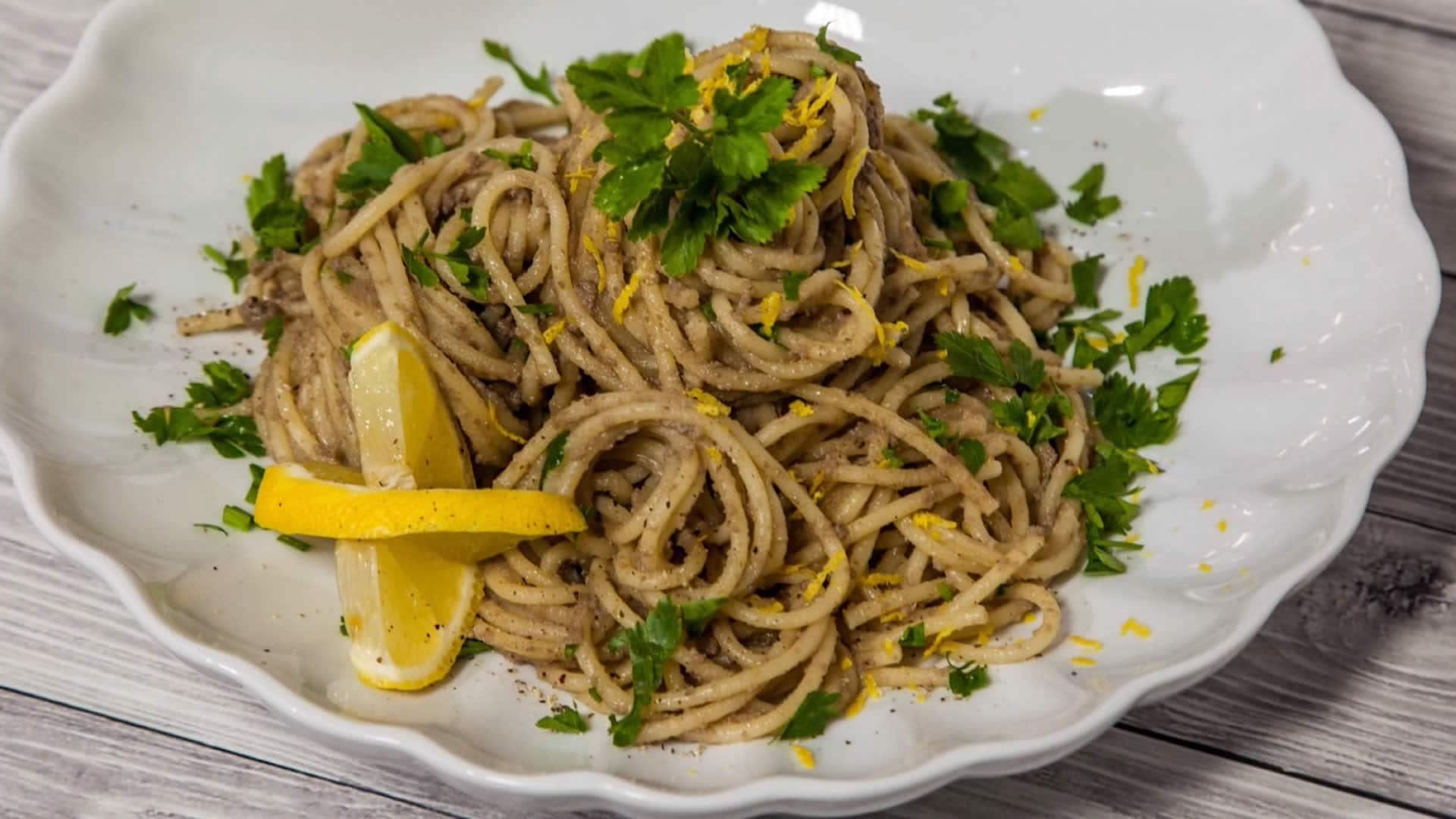 Pasta con le sarde salate for Spaghetti ricette