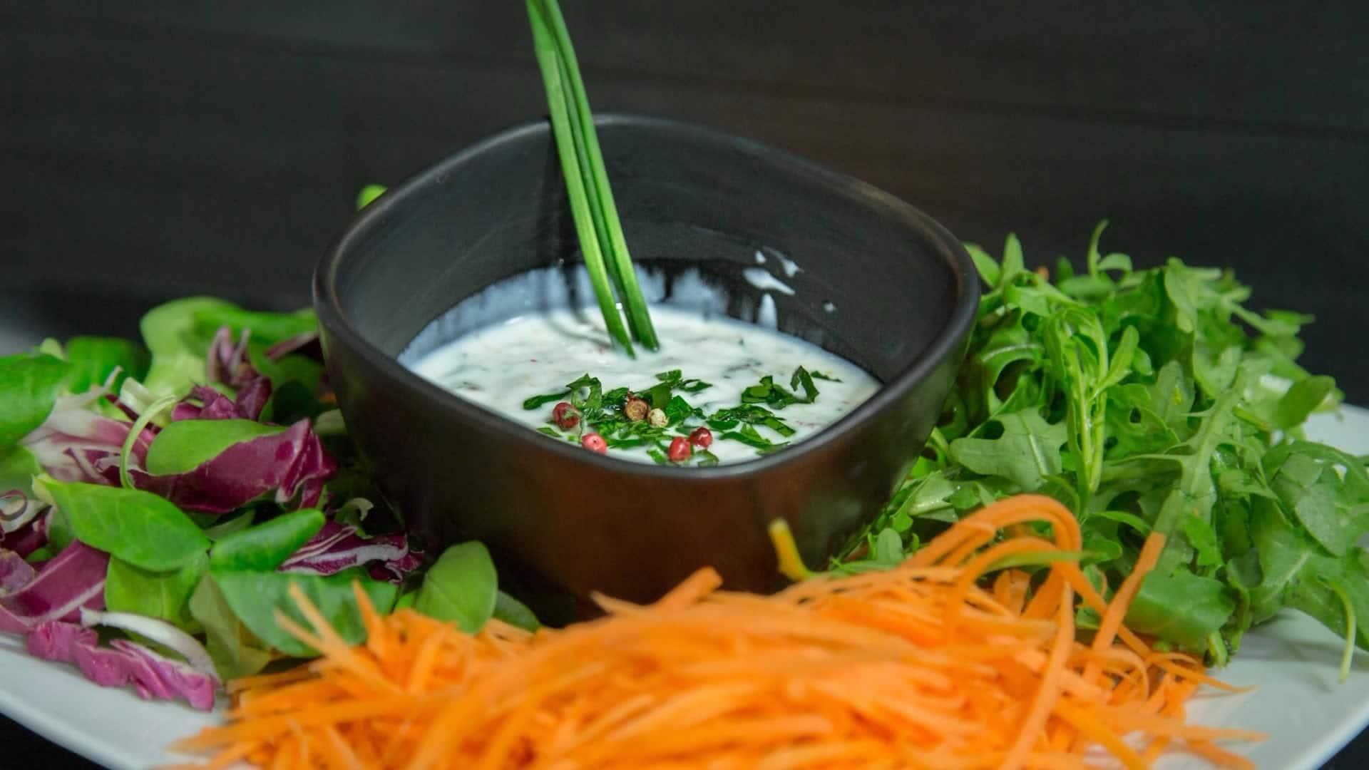 Foto Salsa allo Yogurt per Insalate, Carni e Pesci
