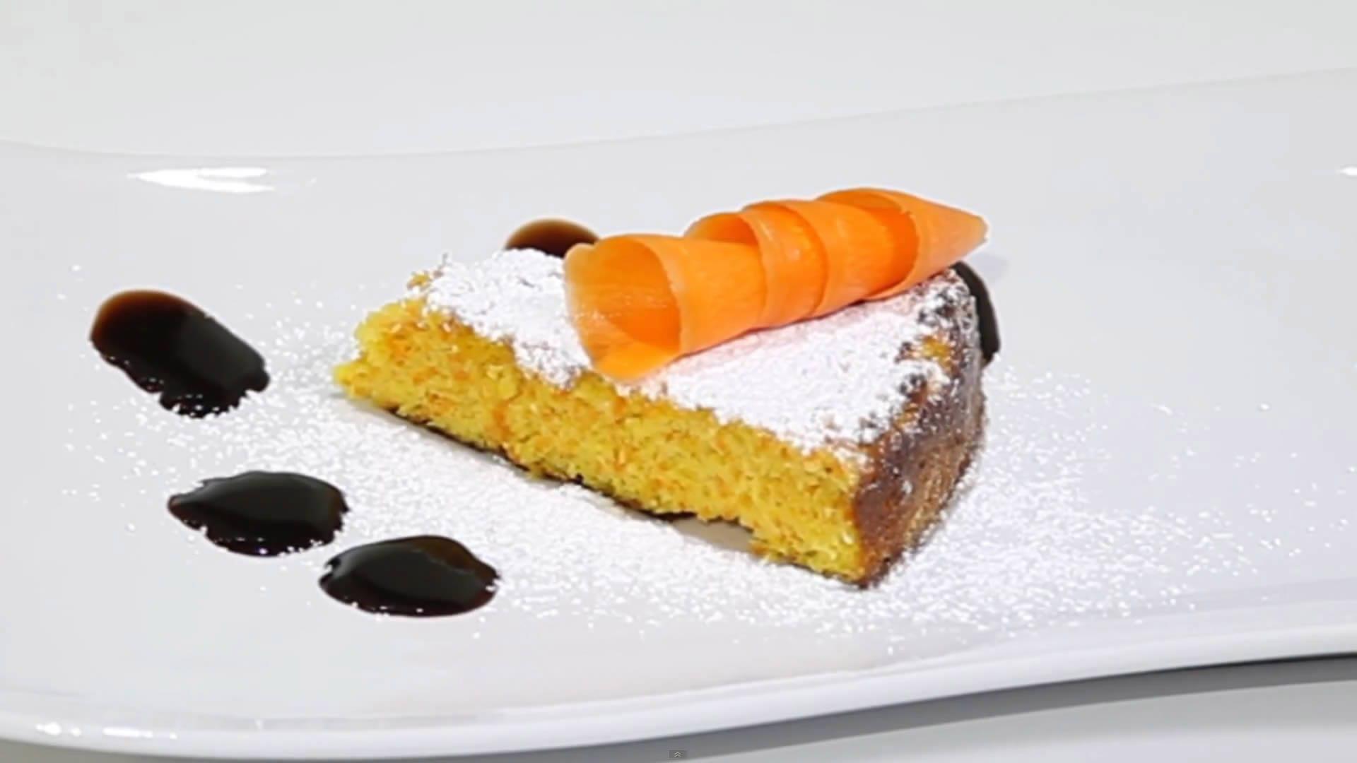 Foto Torta di carote e mandorle senza burro per celiaci