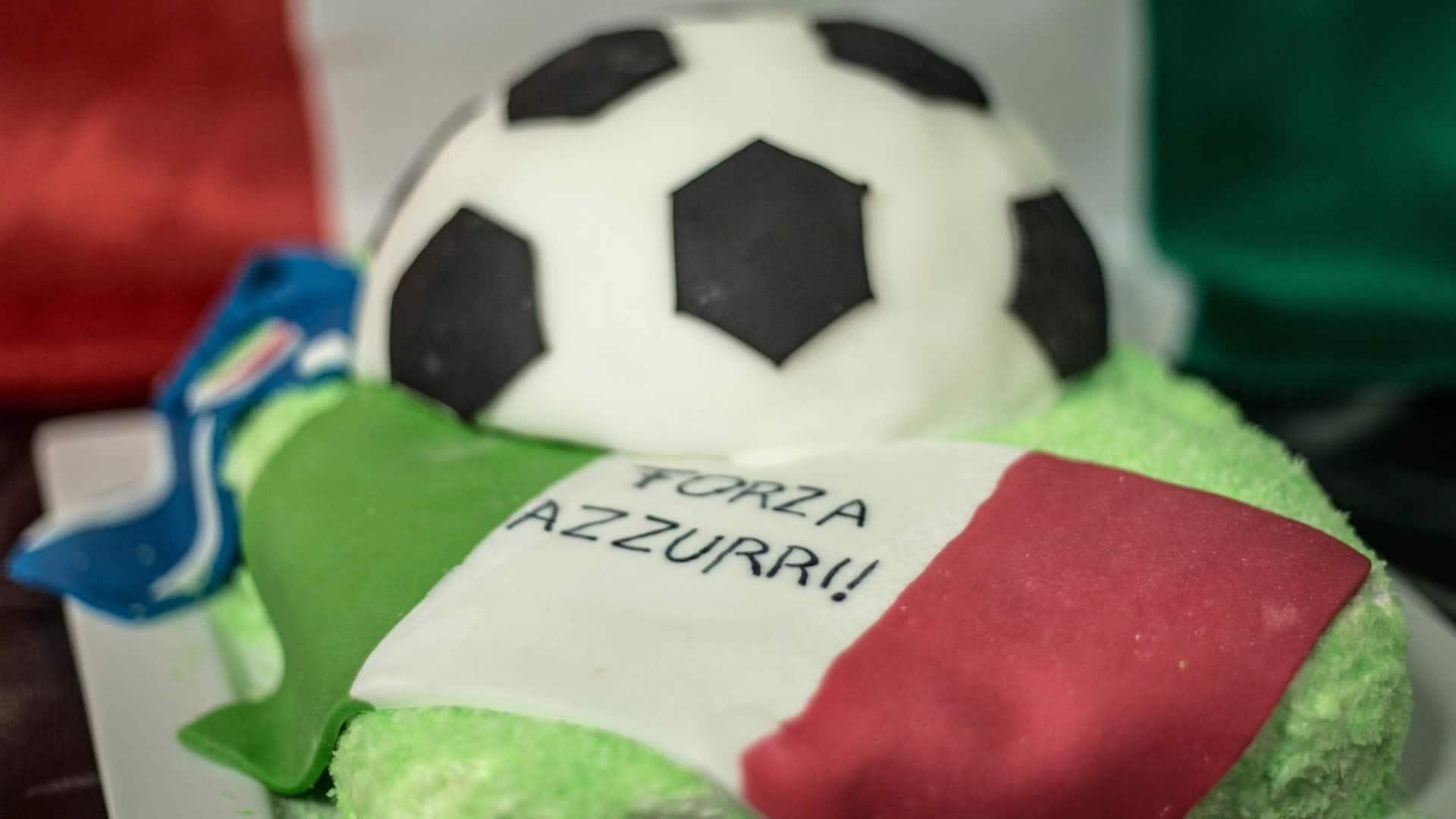 Foto Torta Pallone - Torta Decorata per i Mondiali di Calcio