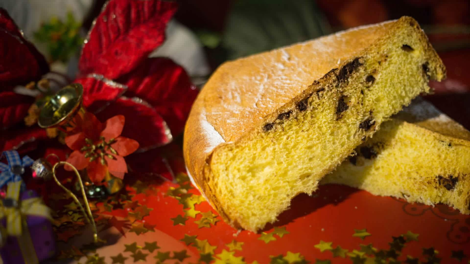 Foto Pandoro con Gocce di Cioccolato - Facile senza Sfogliatura
