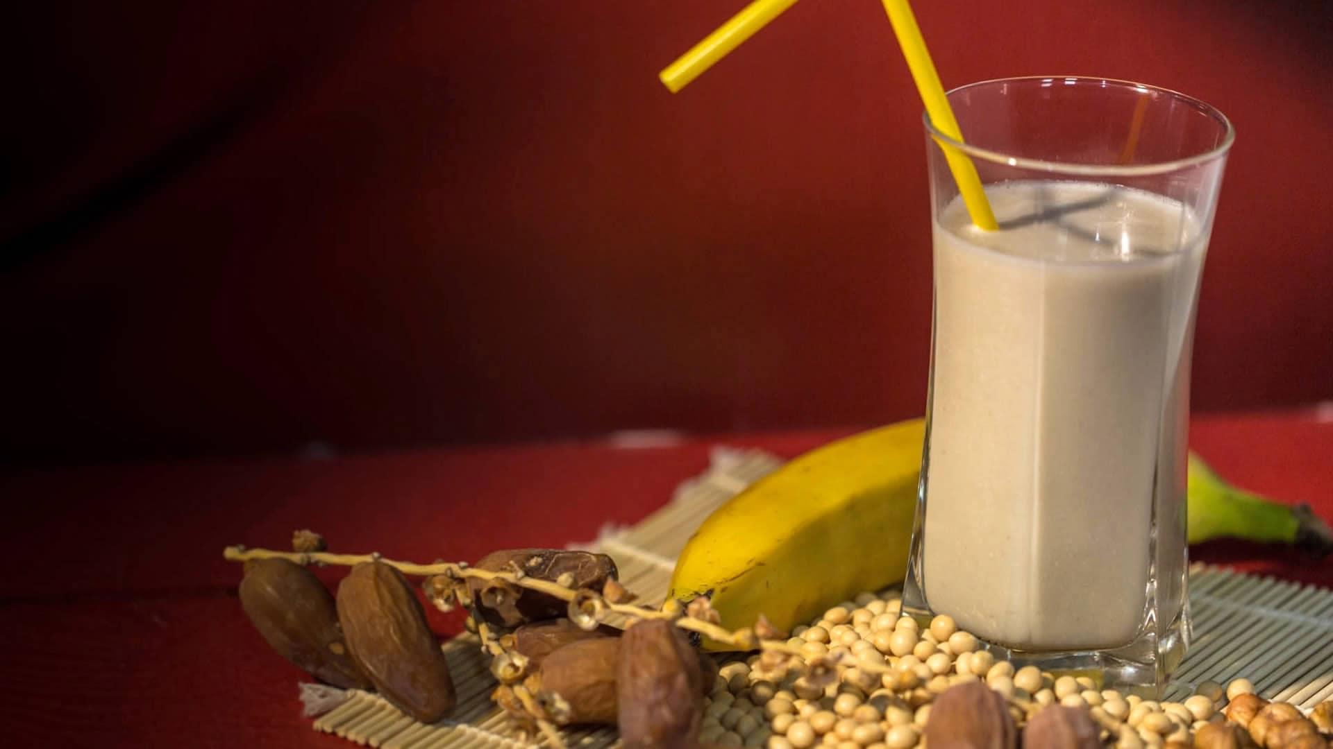 Foto Latte di Soia con Nocciole e Banana
