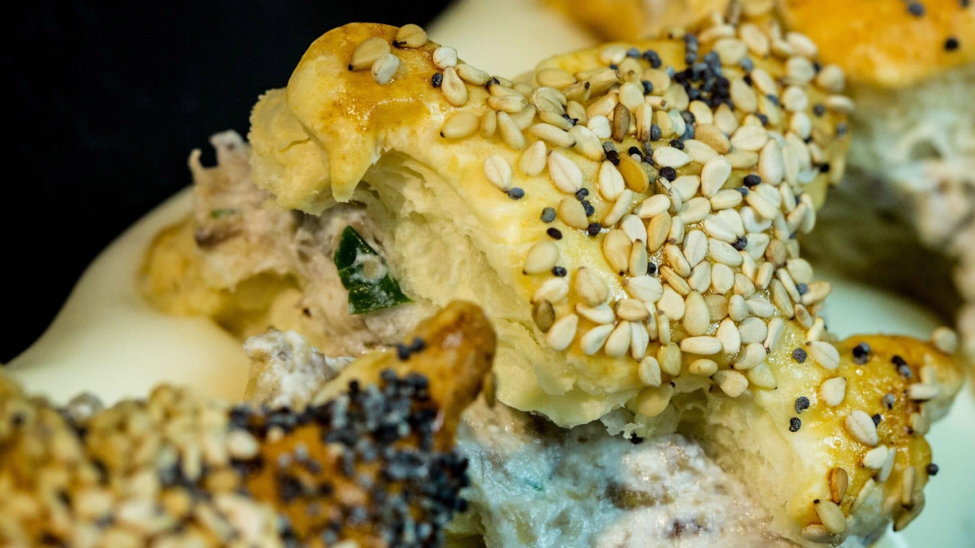 Foto Sfogliatine Salate con Funghi e Formaggio - Ricetta per Pasqua