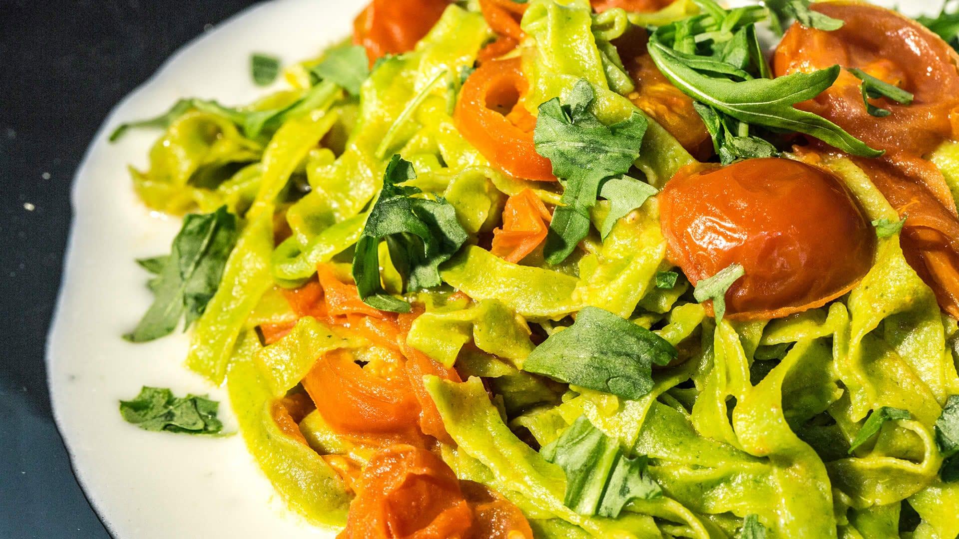 Foto Pasta Tricolore Con Rucola, Pomodorini, Gorgonzola - 25 aprile