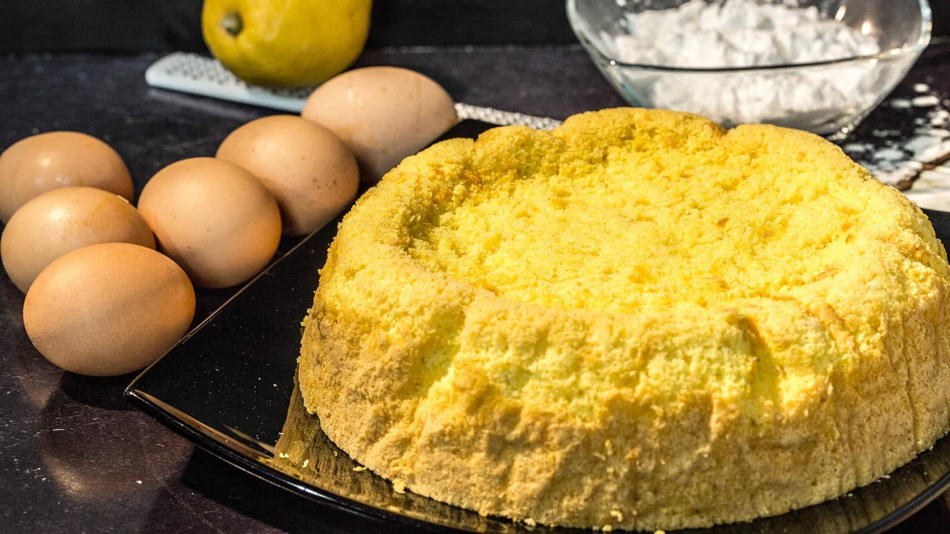 Foto Pan di Spagna Alto e Soffice Senza Glutine