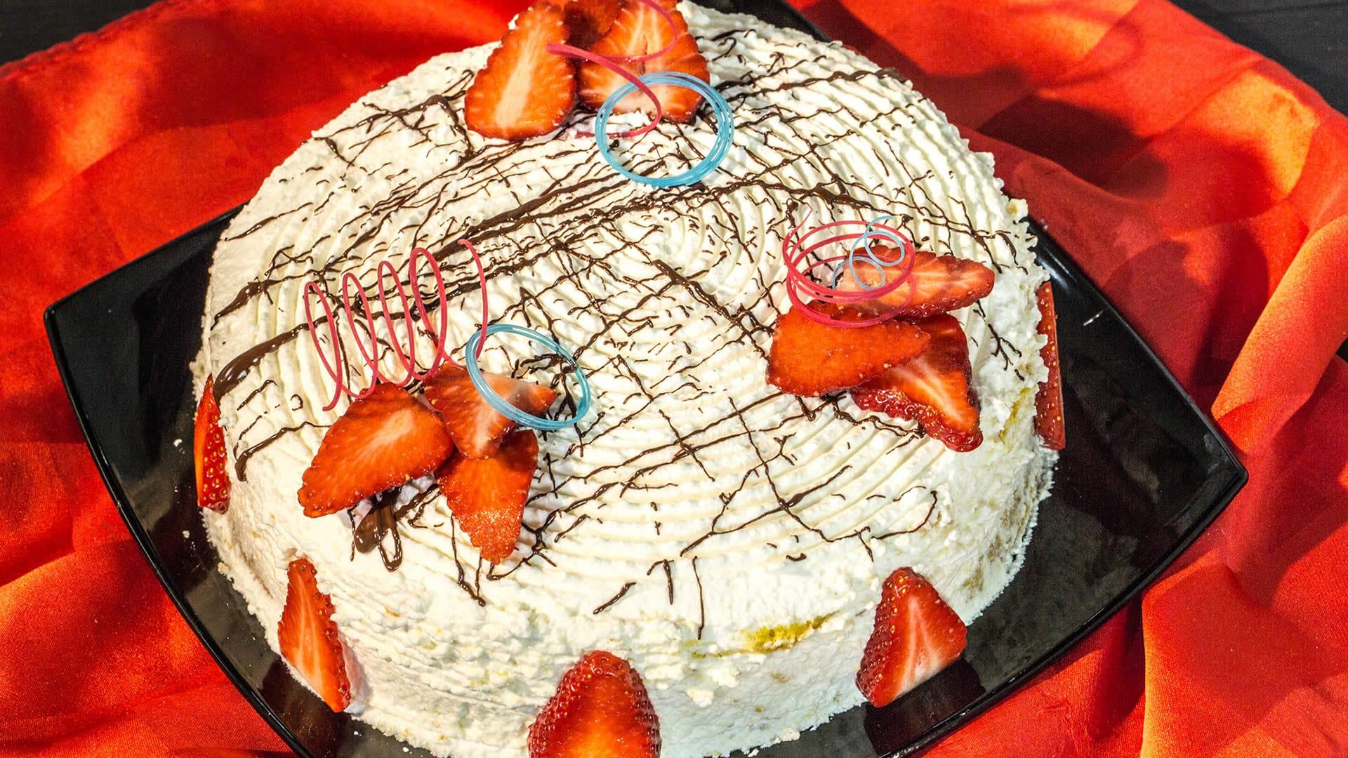 Foto Torta Soffice con le Fragole - Senza Glutine