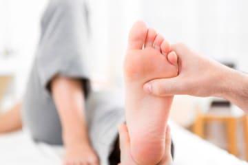 https://www.my-personaltrainer.it/imgs/2018/05/17/dolore-alla-pianta-del-piede-orig.jpeg
