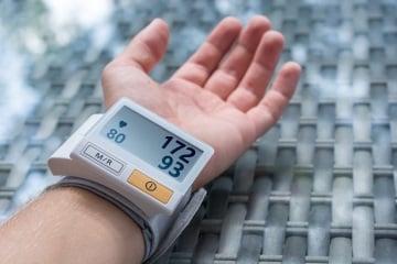 https://www.my-personaltrainer.it/imgs/2018/09/15/sfigmomanometro-5-orig.jpeg