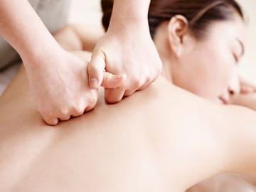 https://www.my-personaltrainer.it/imgs/2018/11/24/massaggio-shiatsu-orig.jpeg