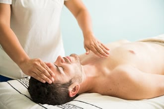 https://www.my-personaltrainer.it/imgs/2019/02/19/massaggio-reiki-concetti-di-base-orig.jpeg