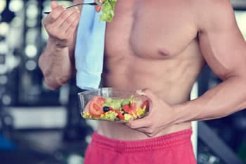 https://www.my-personaltrainer.it/imgs/2019/06/27/consigli-alimentari-per-l-allenamento-orig.jpeg